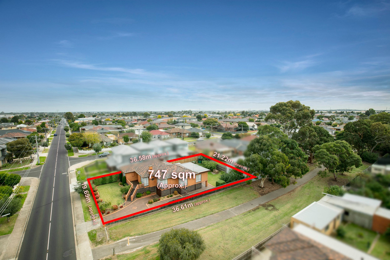 10 Roberts Road, Airport West VIC 3042