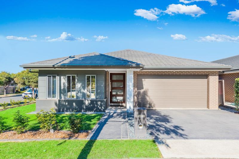 118 Greenwood Parkway, Jordan Springs NSW 2747