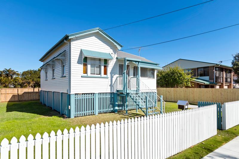 17 Seaford Street, Wynnum QLD 4178