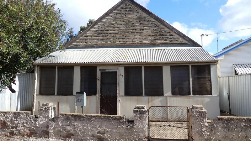 27 Lawson St Warren NSW 2824