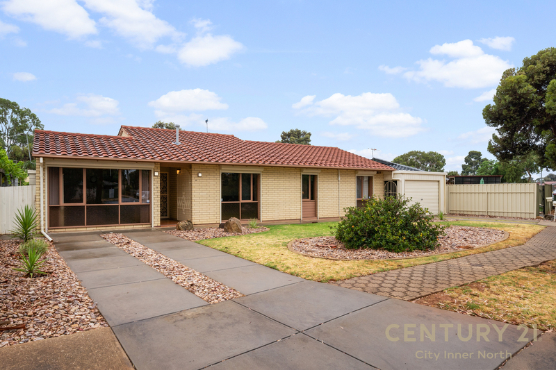 Photo - 35 Secomb Avenue, Parafield Gardens SA 5107  - Image 1