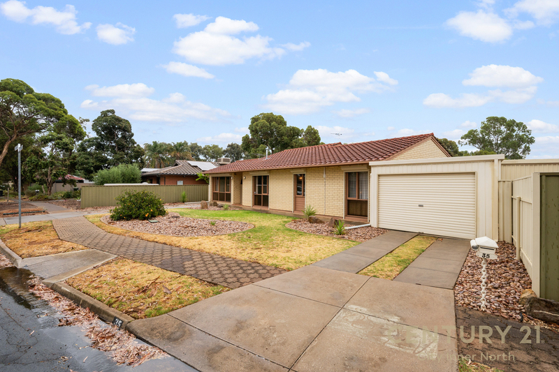 Photo - 35 Secomb Avenue, Parafield Gardens SA 5107  - Image 2