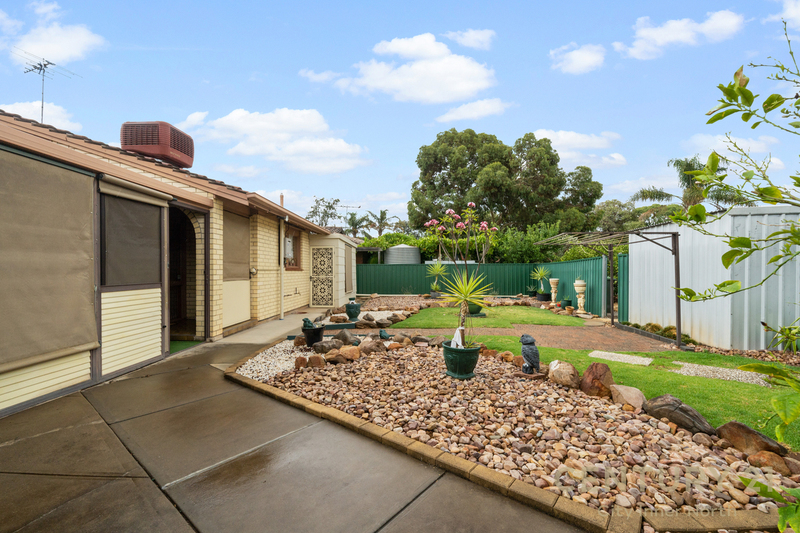 Photo - 35 Secomb Avenue, Parafield Gardens SA 5107  - Image 7