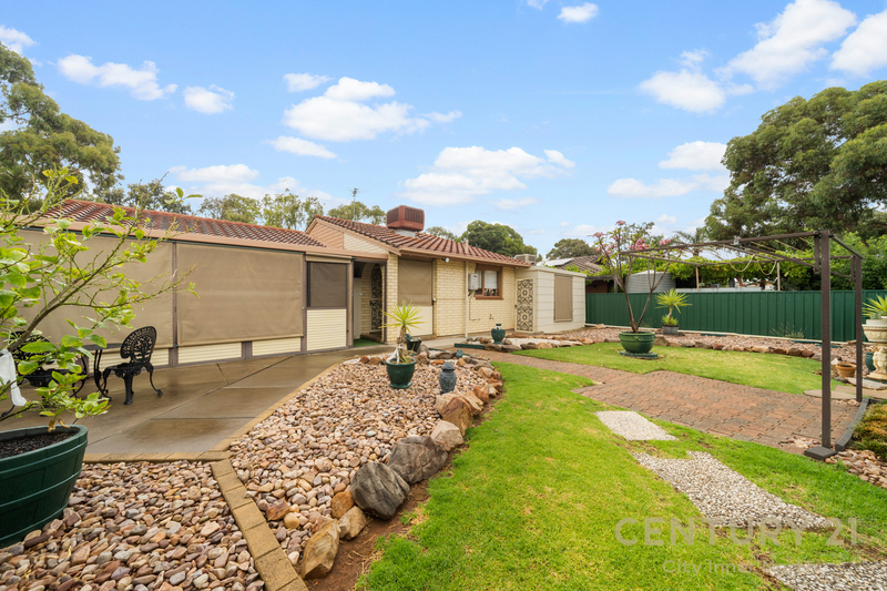 Photo - 35 Secomb Avenue, Parafield Gardens SA 5107  - Image 8