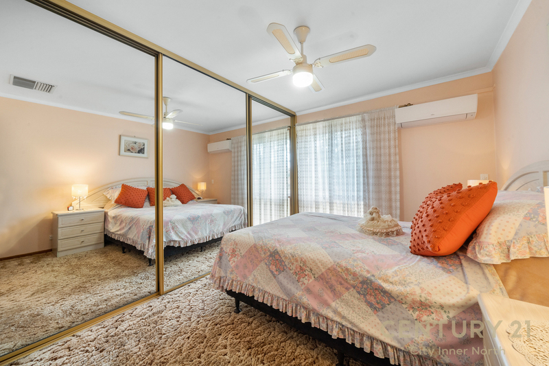 Photo - 35 Secomb Avenue, Parafield Gardens SA 5107  - Image 10