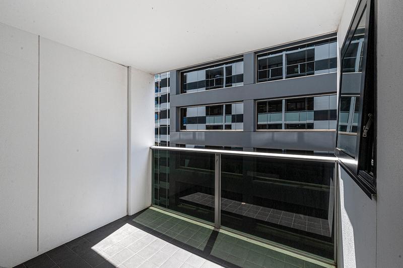 Photo - 805/102 Waymouth Street, Adelaide SA 5000  - Image 5