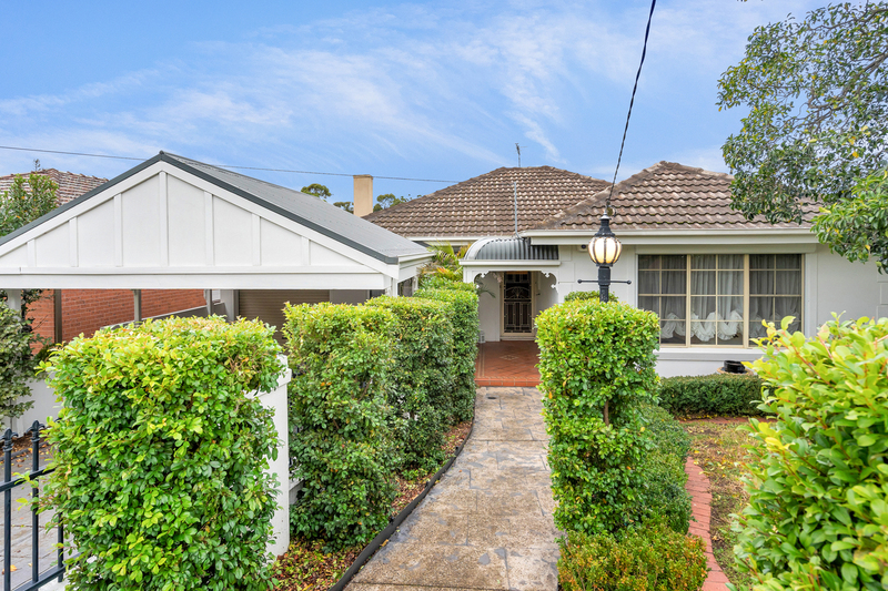 84 Deakin Street, Essendon VIC 3040